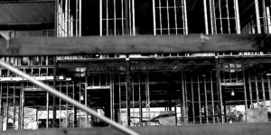 Empty construction site | Should contractors use business interruption insurance to protect from coronavirus losses?